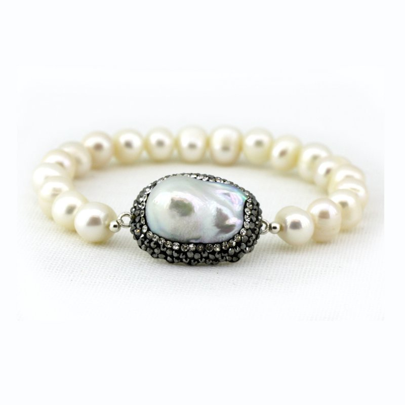 FRESH WATER PEARL BEADS & BAROQUE PEARL IN BETWEEN BRACELET, WITH SMALL SWAROVSKI CRYSTALS