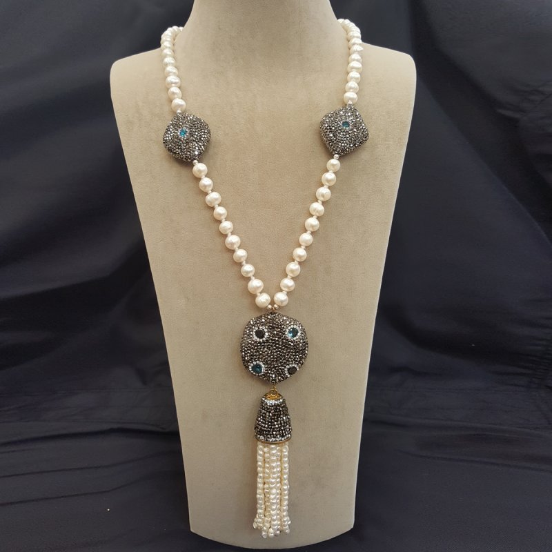 DRN19 - FRESH WATER PEARLS NECKLACE DECORATED WITH SWAROVSKI CRYSTALS