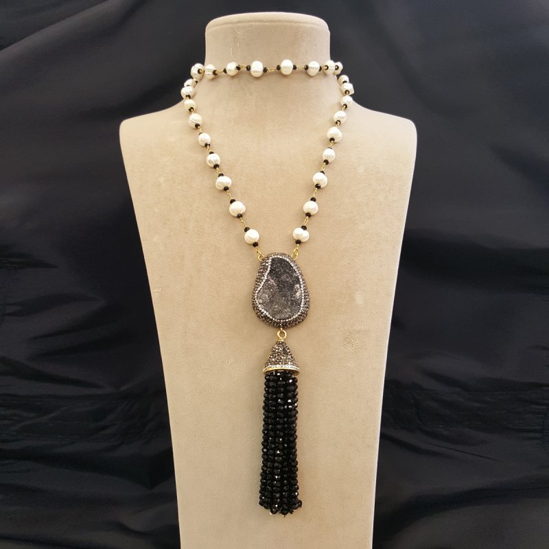 DRN24 - FRESH WATER PEARL & DRUZY STONE DECORATED WITH SWAROVSKI CRYSTALS NECKLACE