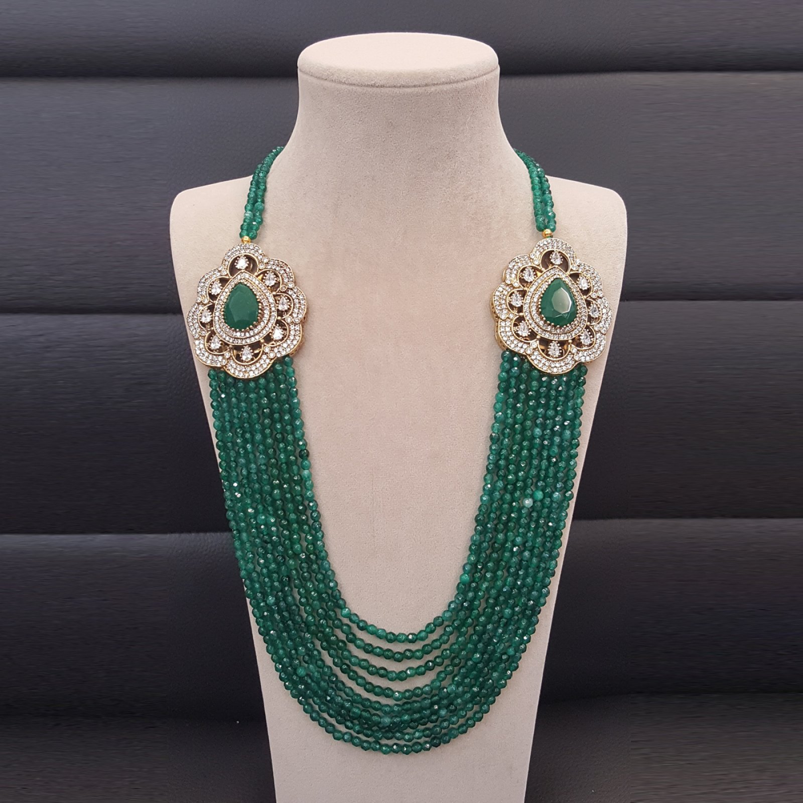 DRN04 - DESIGNER GREEN JADE NECKLACE WITH TWO TURKISH BROOCHES
