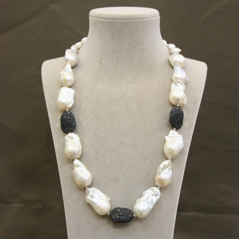 DRN36 - BAROQUE PEARL NECKLACE WITH 925 SILVER HEATED ONYX BEADS