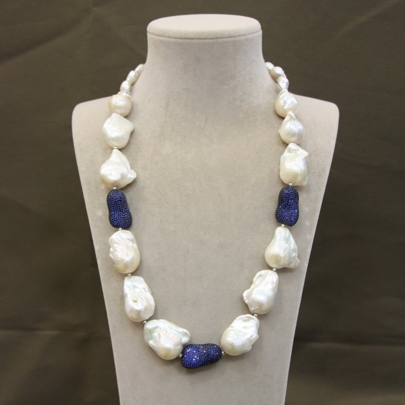 DRN38 - BAROQUE PEARL NECKLACE WITH 925 SILVER HEATED SAPPHIRE OBJECTS