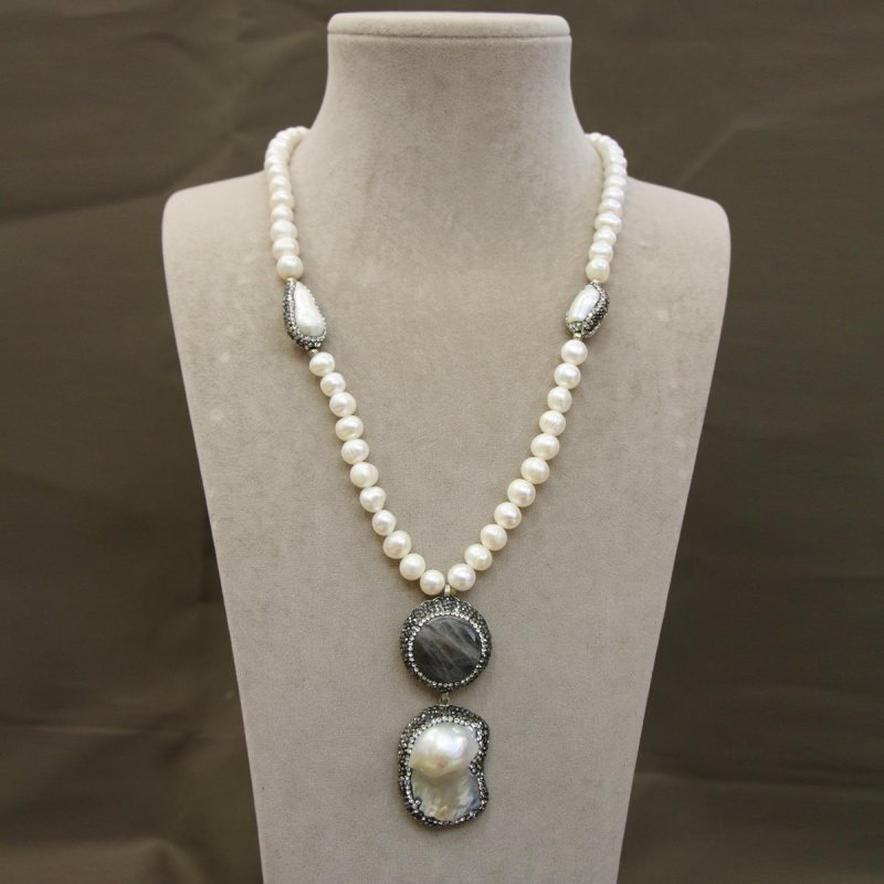 DRN53 - NECKLACE WITH FRESH WATER PEARL & LABRADORITE STONES DECORATED WITH SWAROVSKI CRYSTALS