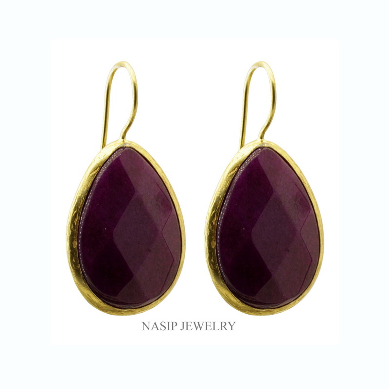 GSE138 - GOLD PLATED HAND PURPLE  JADE EARRING