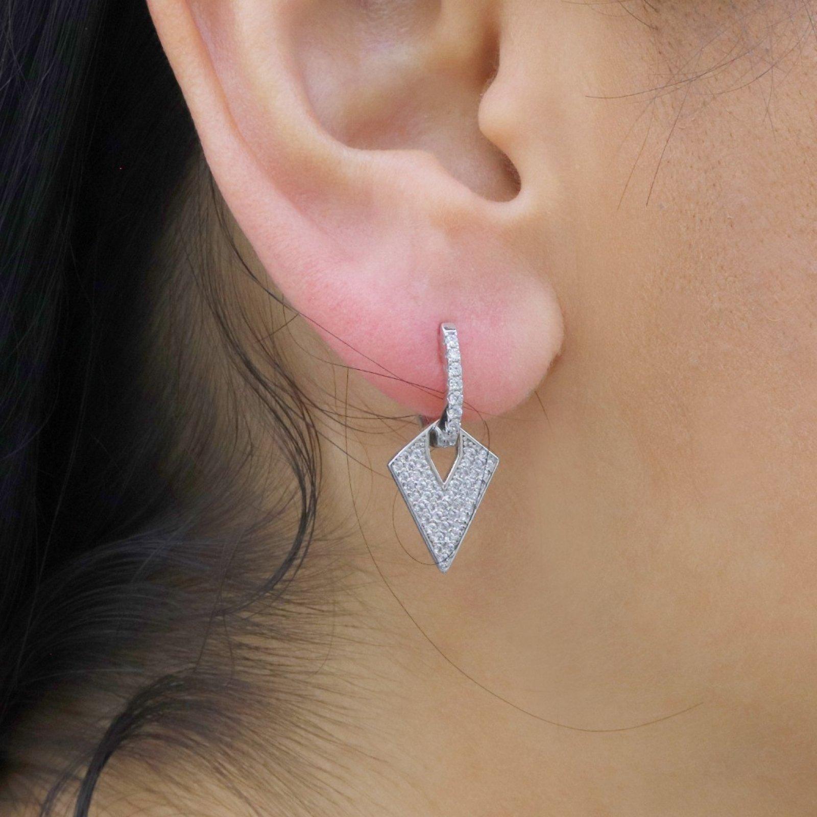 Arroıw Head Silver Earring